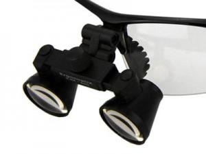 ergonoptix-comfort-micro-galilean-loupes-black-close-up-400