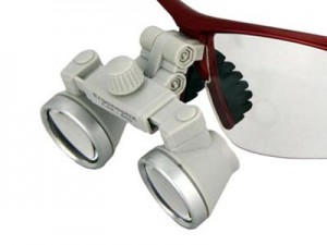 ergonoptix-comfort-micro-galilean-loupes-grey-silver-close-up-400