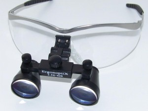 ErgonoptiX-Galilean-Surgical-loupes-close-up-black-800